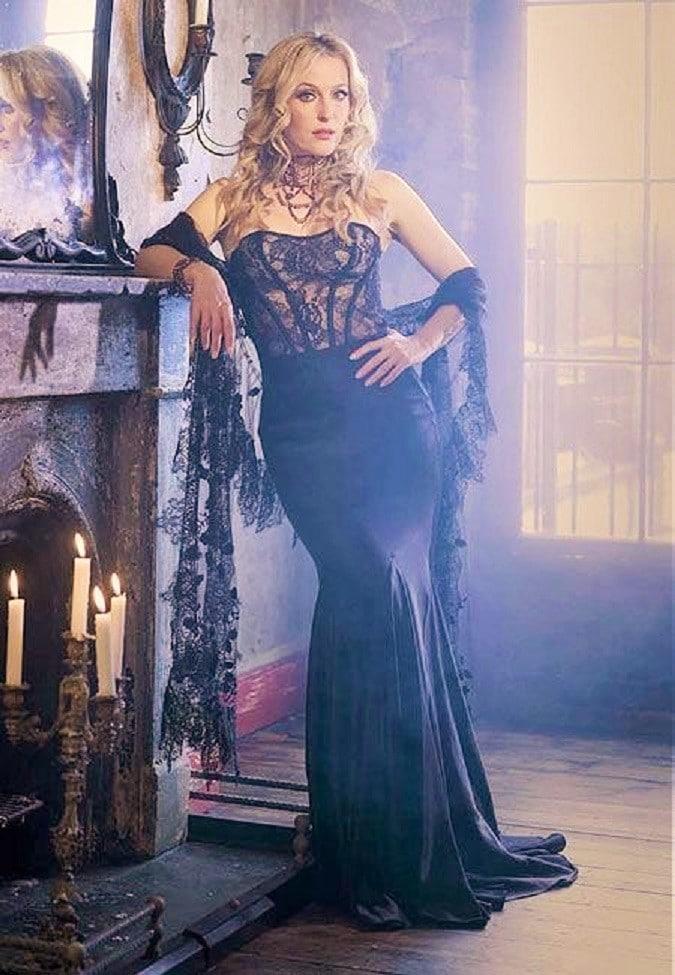 Gillian Anderson hot pics
