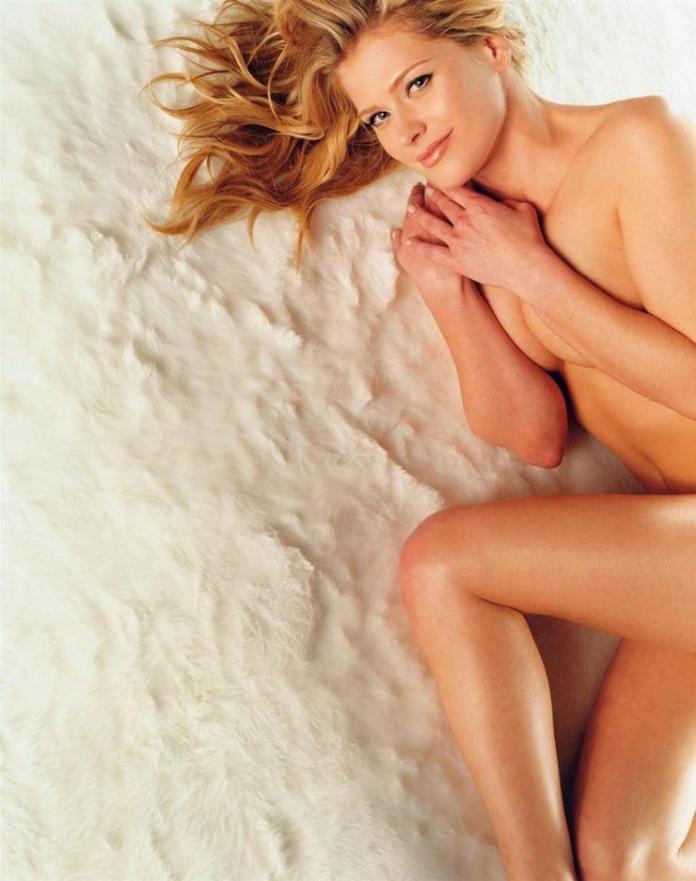 Kristy Swanson sexy