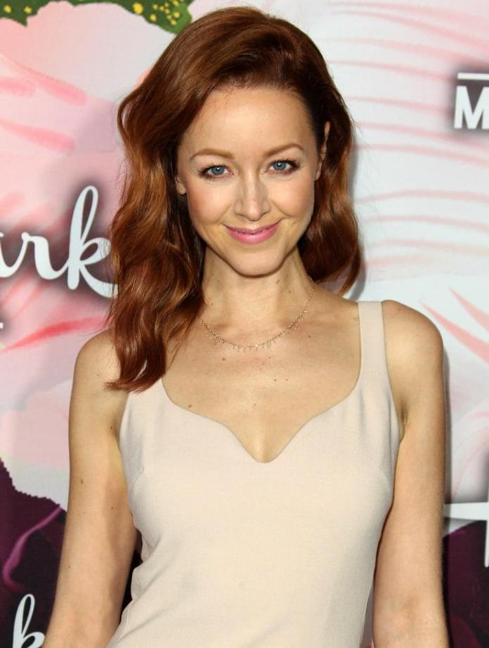Lindy Booth hot pic