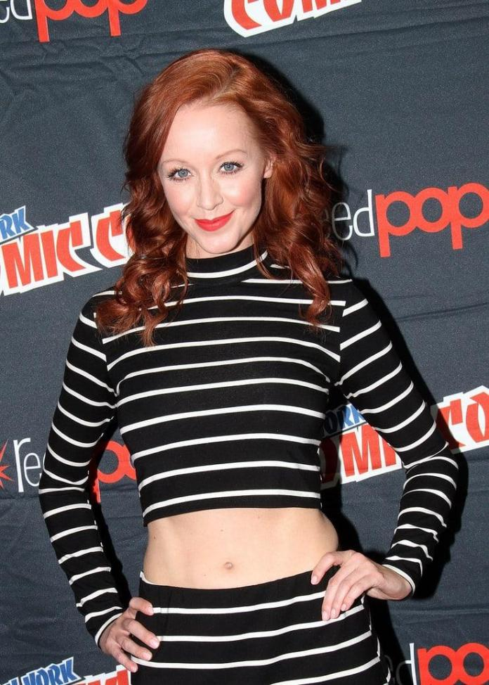 Lindy Booth hot