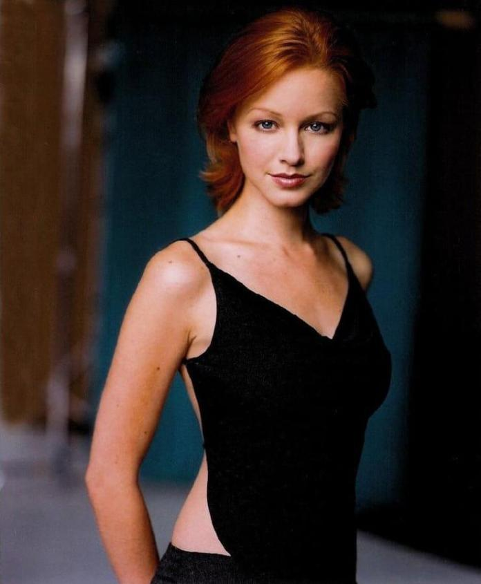 Lindy Booth sexy pic
