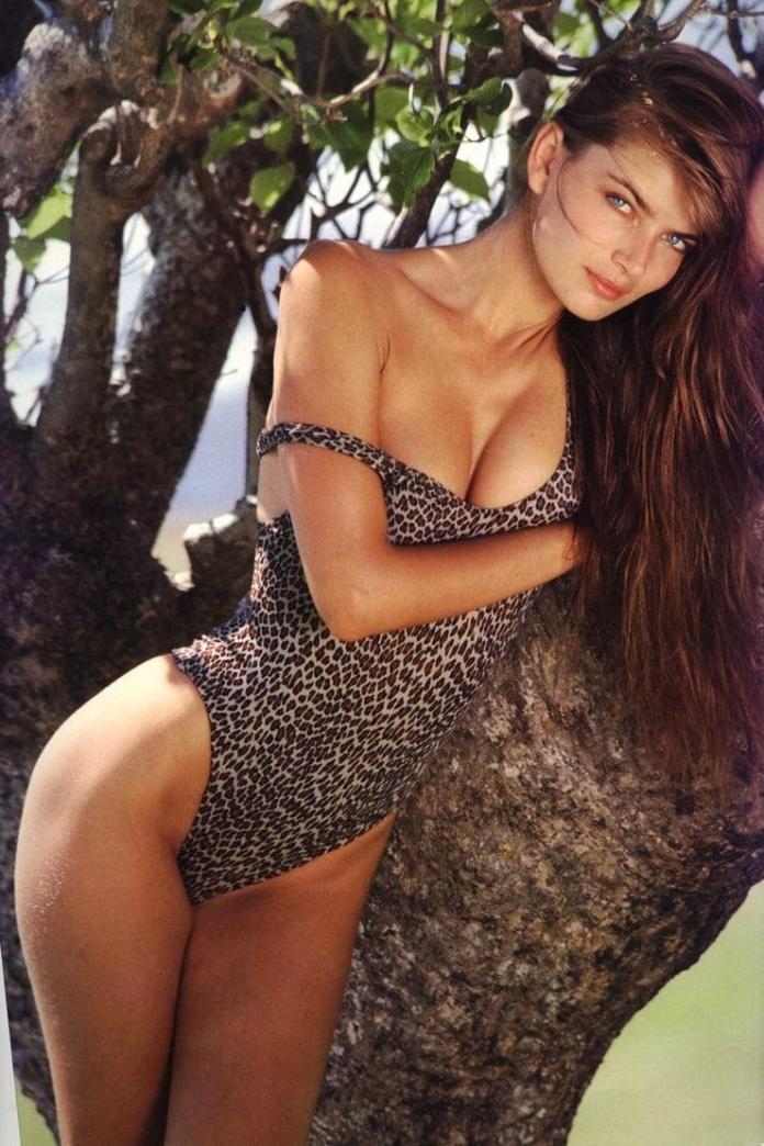 Paulina Porizkova hot pic