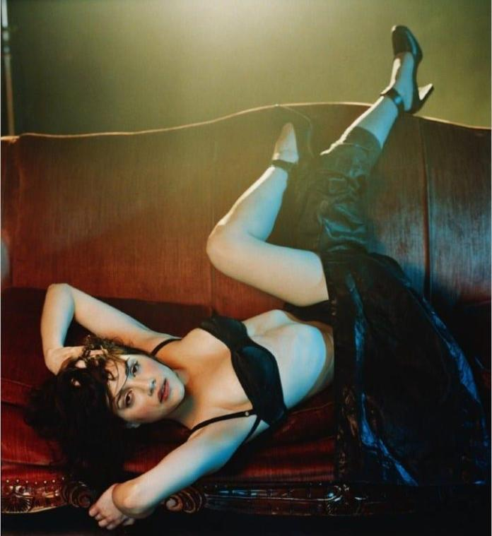Brittany Murphy sexy look