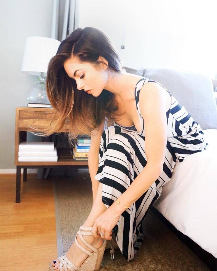 Brooke Lyons sexy