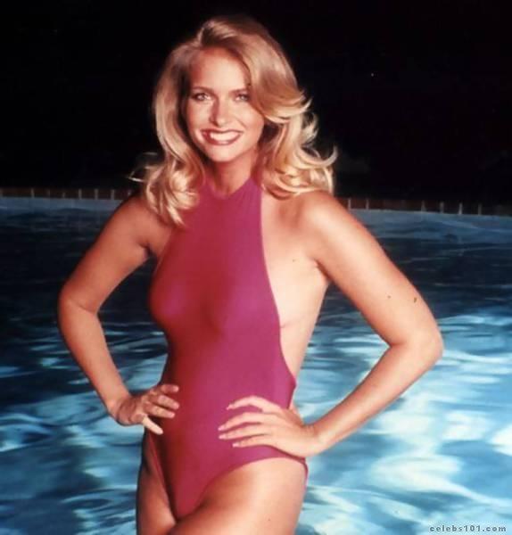 Donna Dixon hot