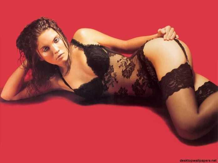 Jodi Lyn O'Keefe hot