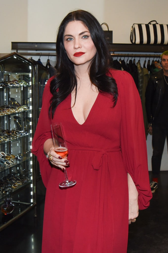 Jodi Lyn O'Keefe sexy look