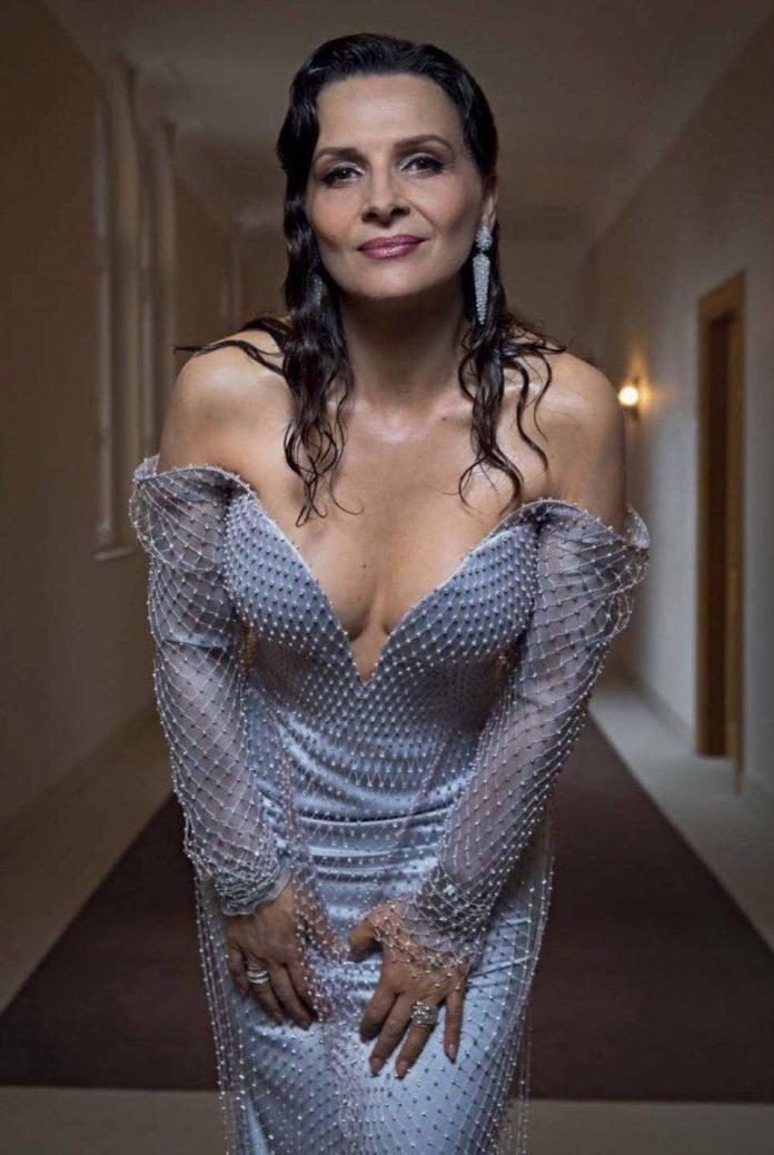 Juliette Binoche hot pic