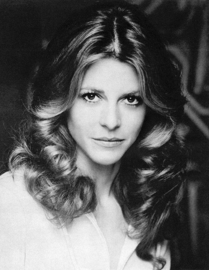 41 Sexiest Pictures Of Lindsay Wagner   CBG