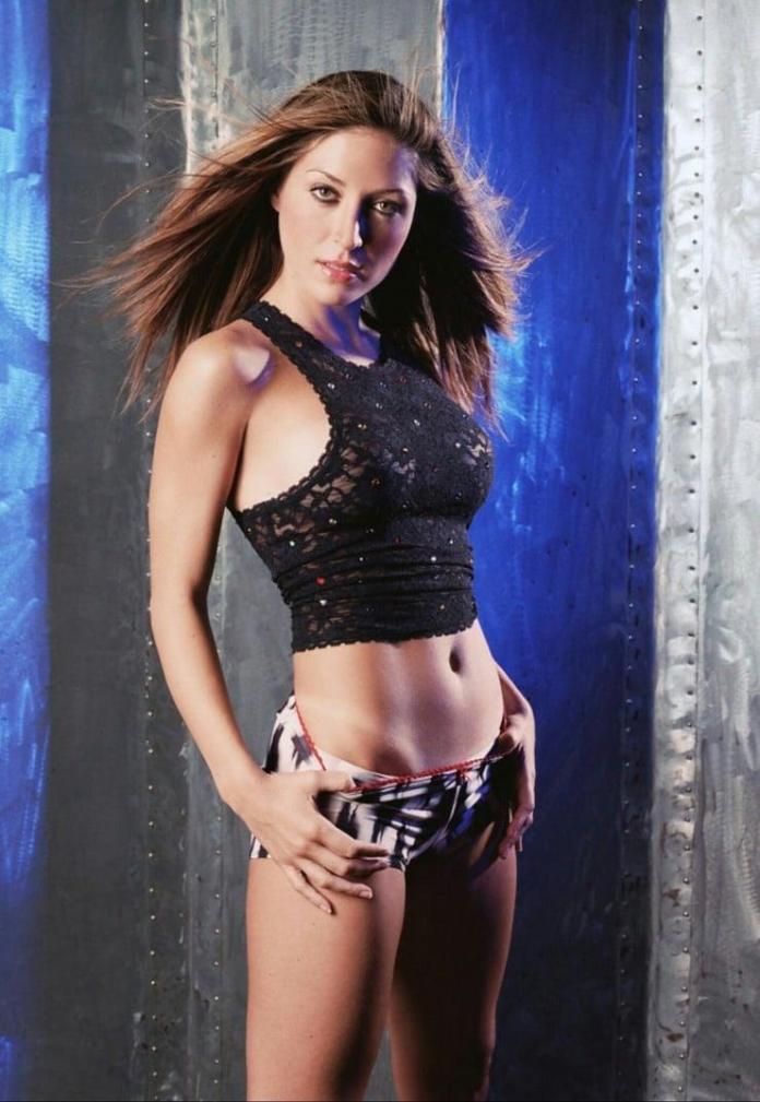 Sasha Alexander hot pic