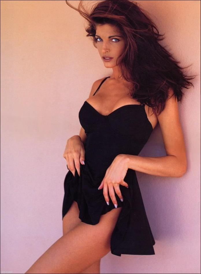 Stephanie Seymour sexy look