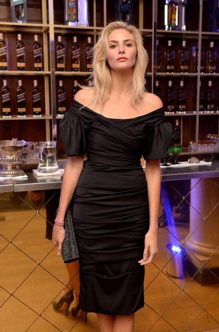 Tamsin Egerton sexy look