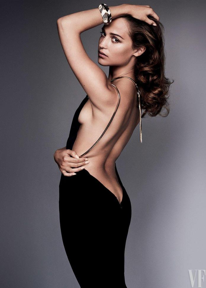 Alicia Vikander hot