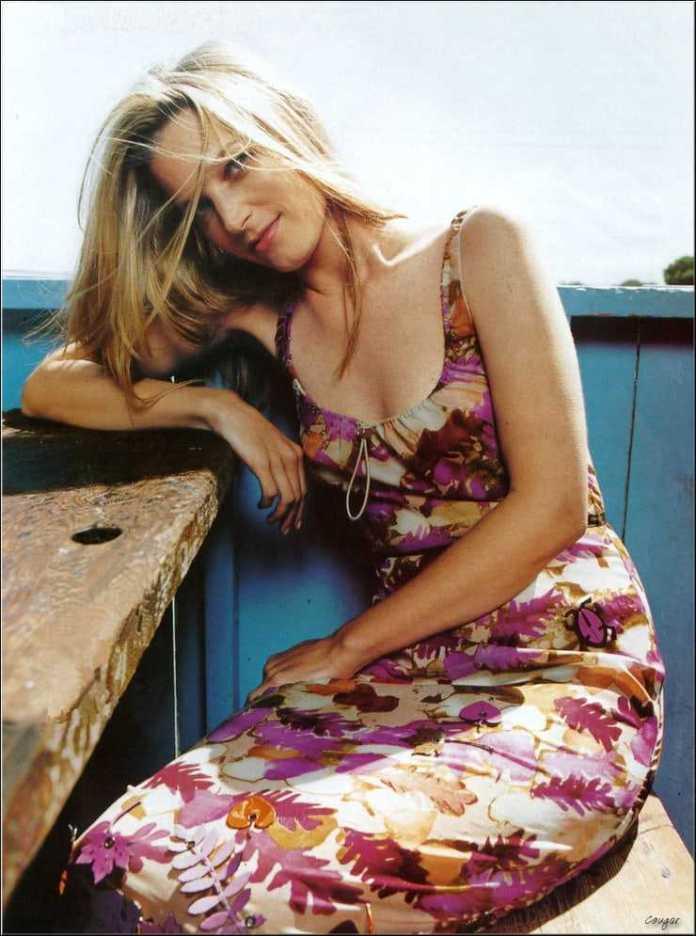 Bridget Fonda hot pictures
