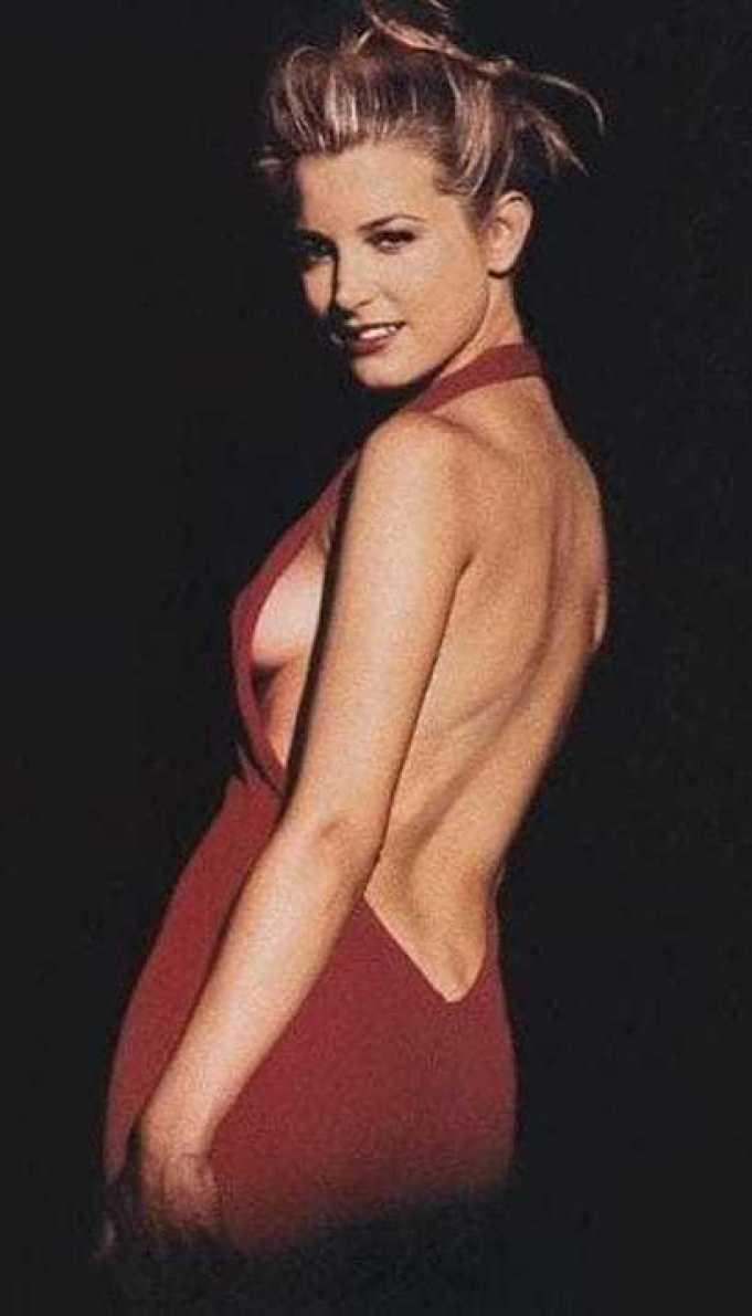 Bridget Fonda sexy ass pics