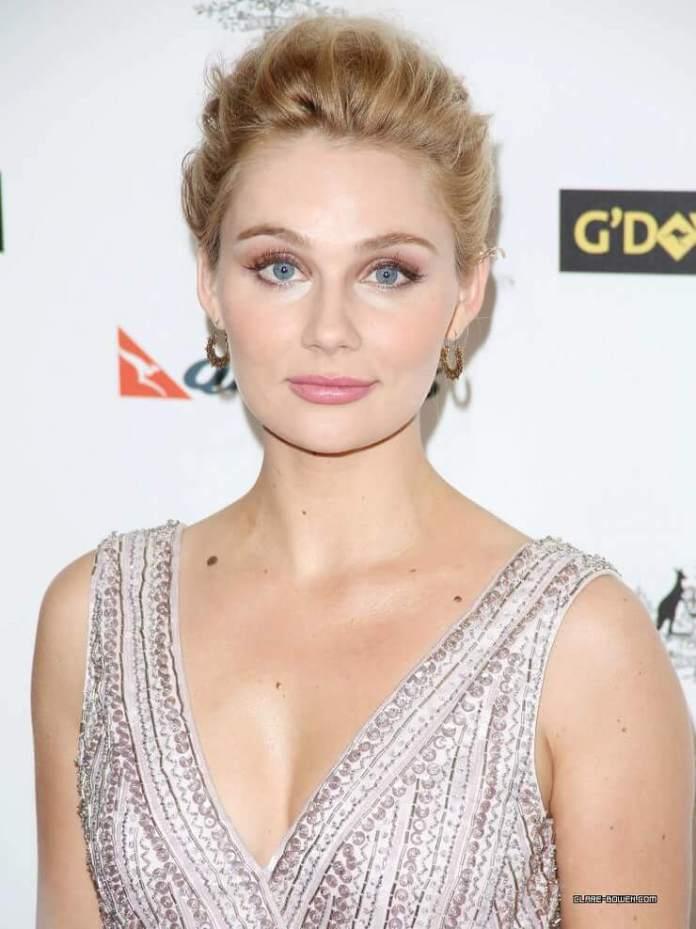Clare Bowen hot look pics