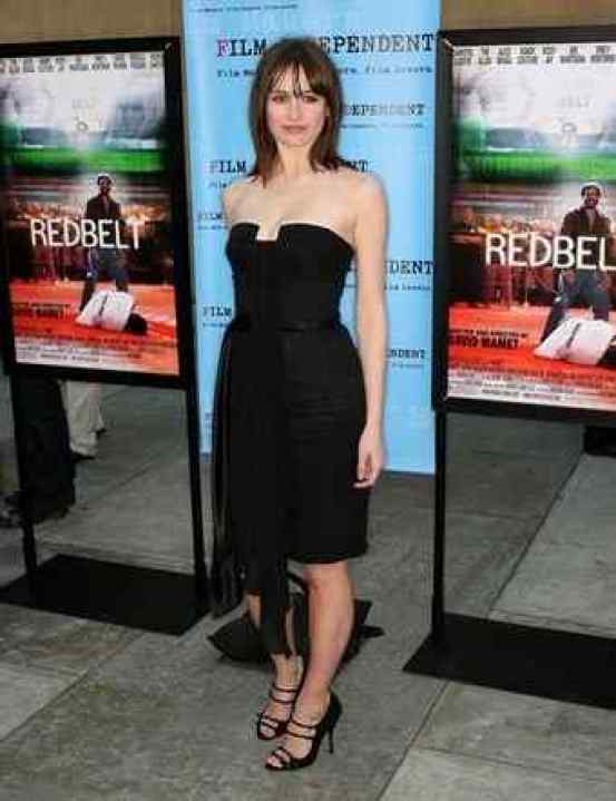 Emily Mortimer cleavage
