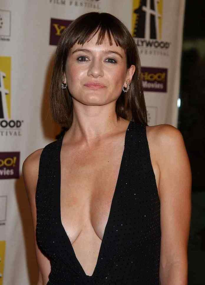 Emily Mortimer hot cleavage