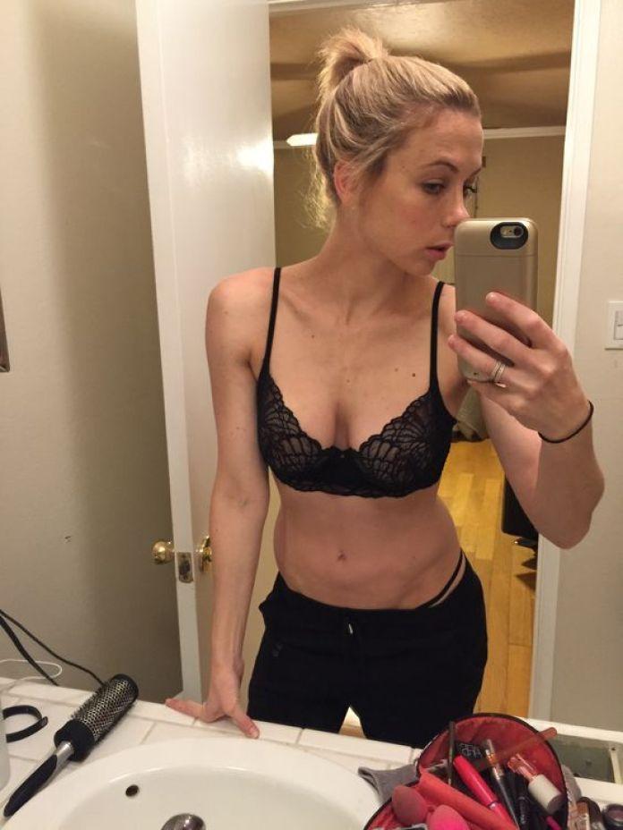 Iliza Shlesinger sexy look pics