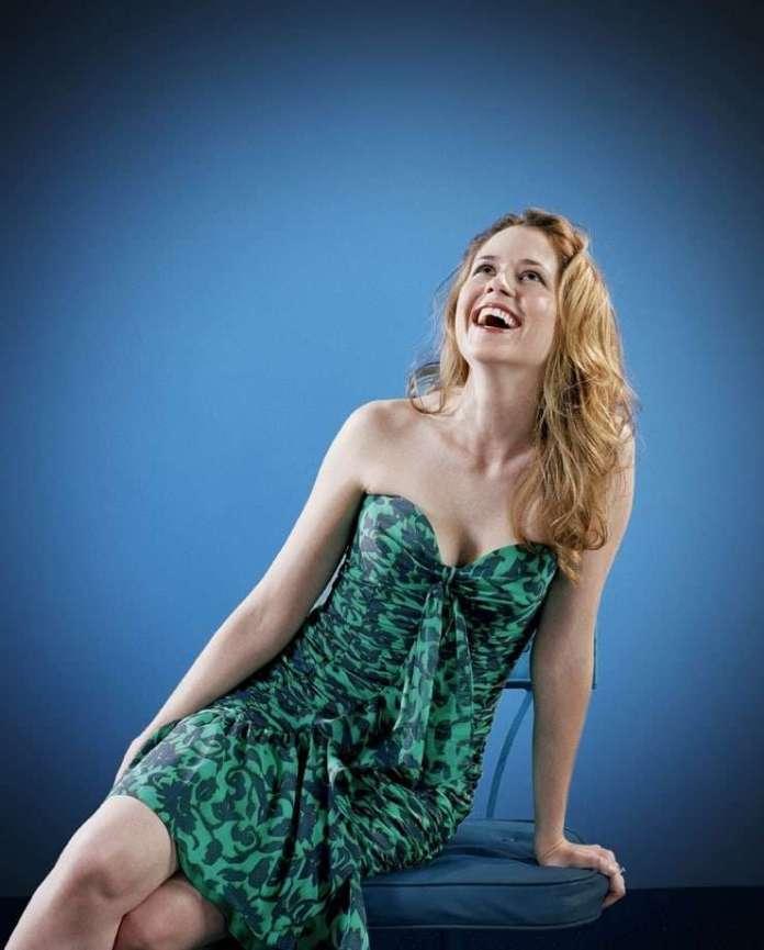 Jenna Fischer sexy pics