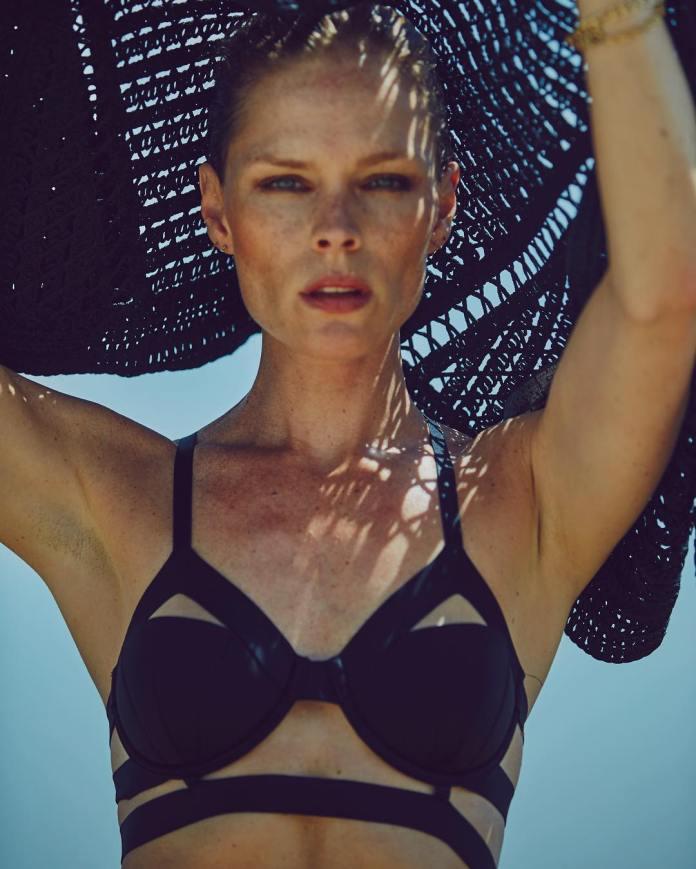 Kate Nauta amazing tits pics