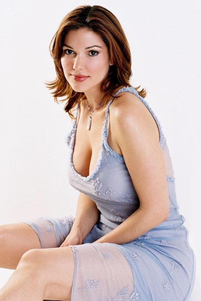 Laura Harring sexy pics