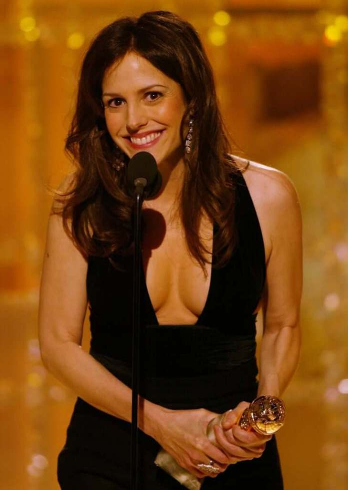 Mary-Louise Parker cleavage pics