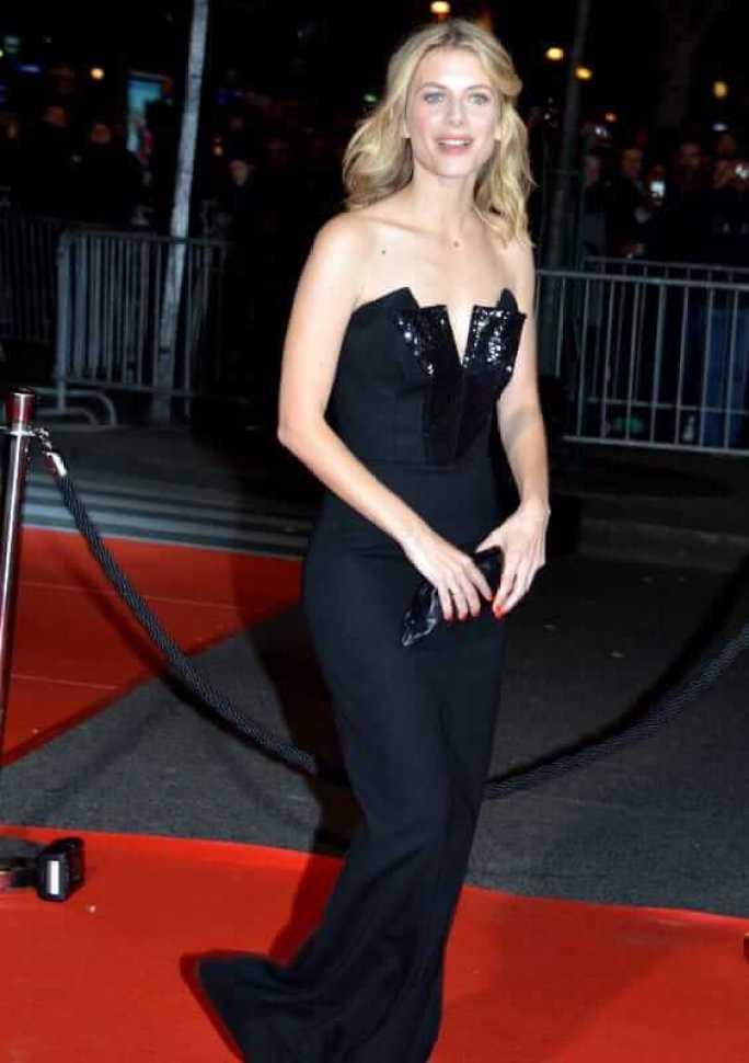Mélanie Laurent sexy look pics