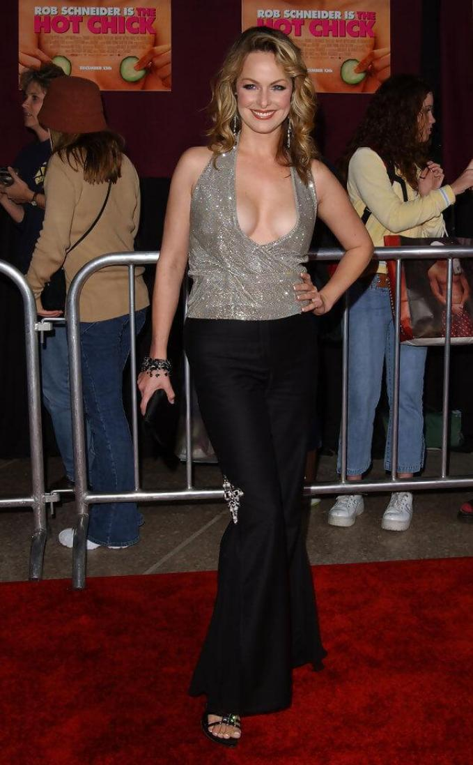 Melora Hardin sexy look pic