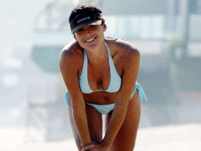 Minnie Driver bikini pics