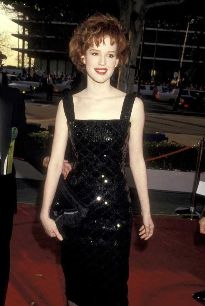Molly Ringwald sexy pictures