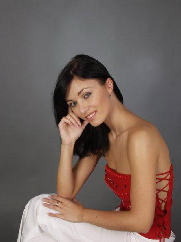Petra Volakova sexy topless pics