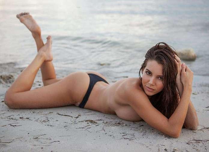 Shelby Chesnes hot look