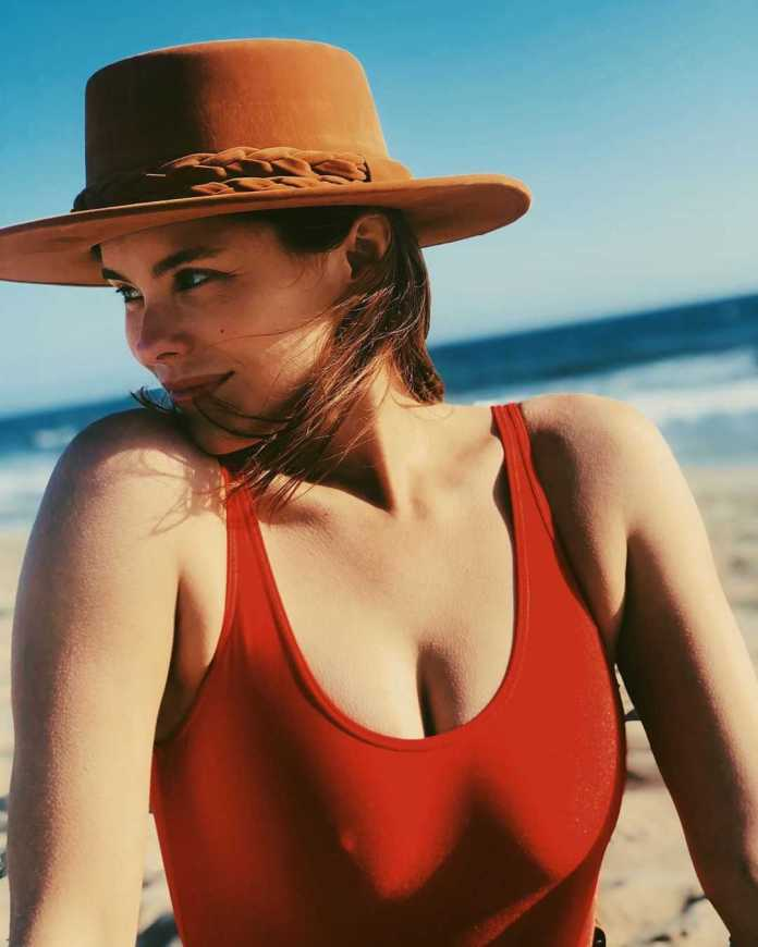 Susie Abromeit sexy images
