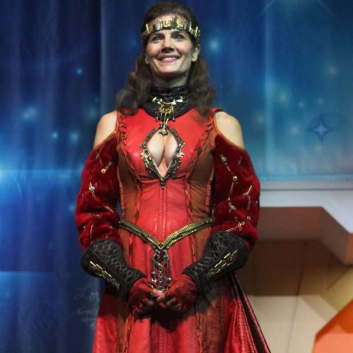 Terry Farrell hot pictures