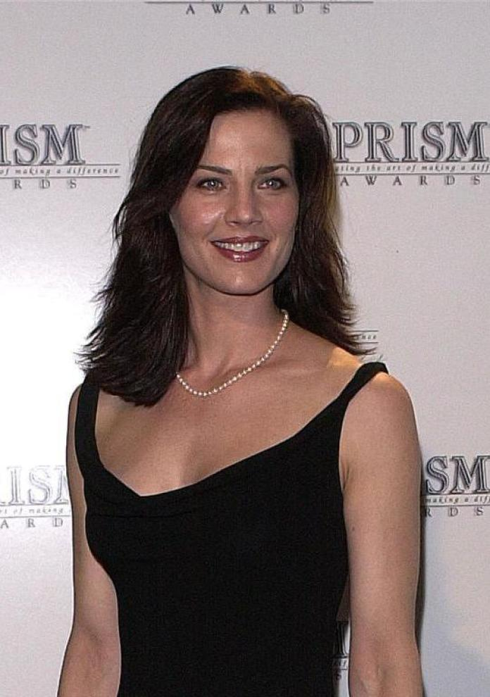 Terry Farrell sexy pictures