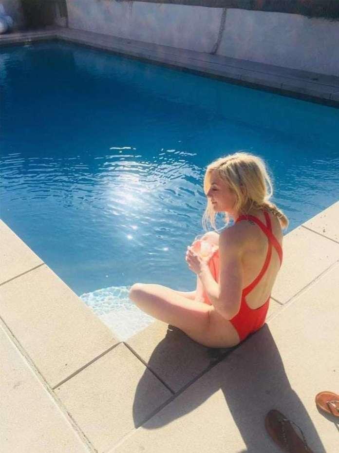 Emily Kinney sexy pics