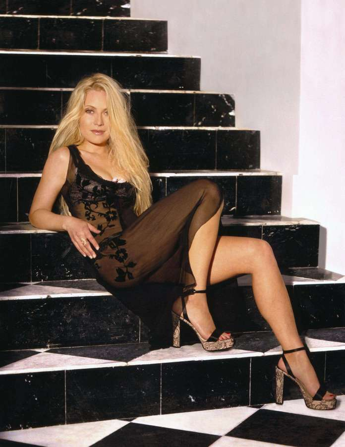 Emily Procter sexy pic