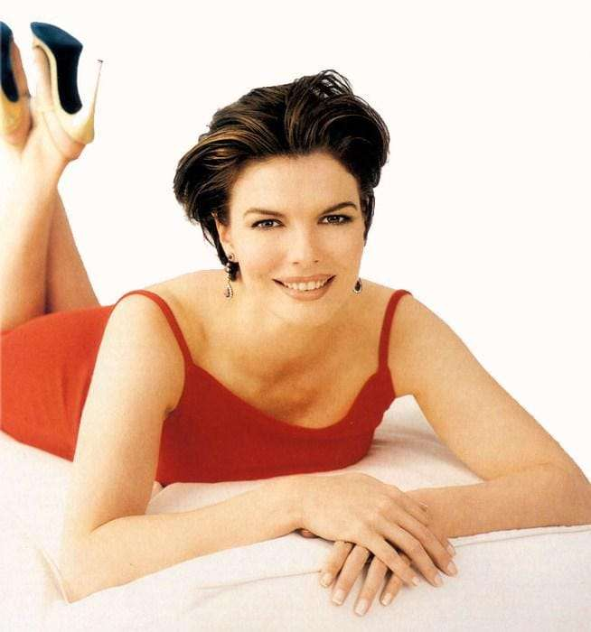 Jeanne Tripplehorn sexy pic