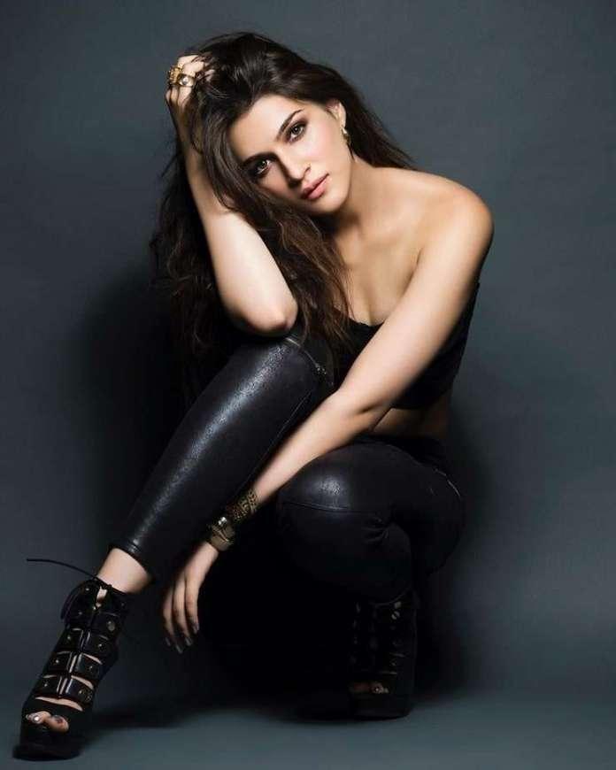 Kriti Sanon sexy