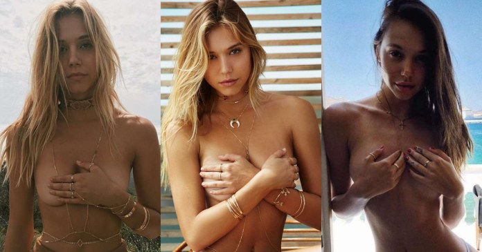 41 Hottest Pictures Of Alexis Ren