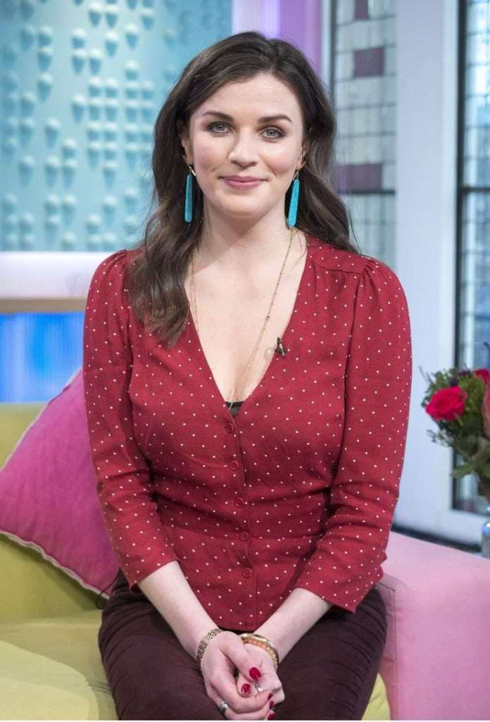 Aisling Bea hot pic