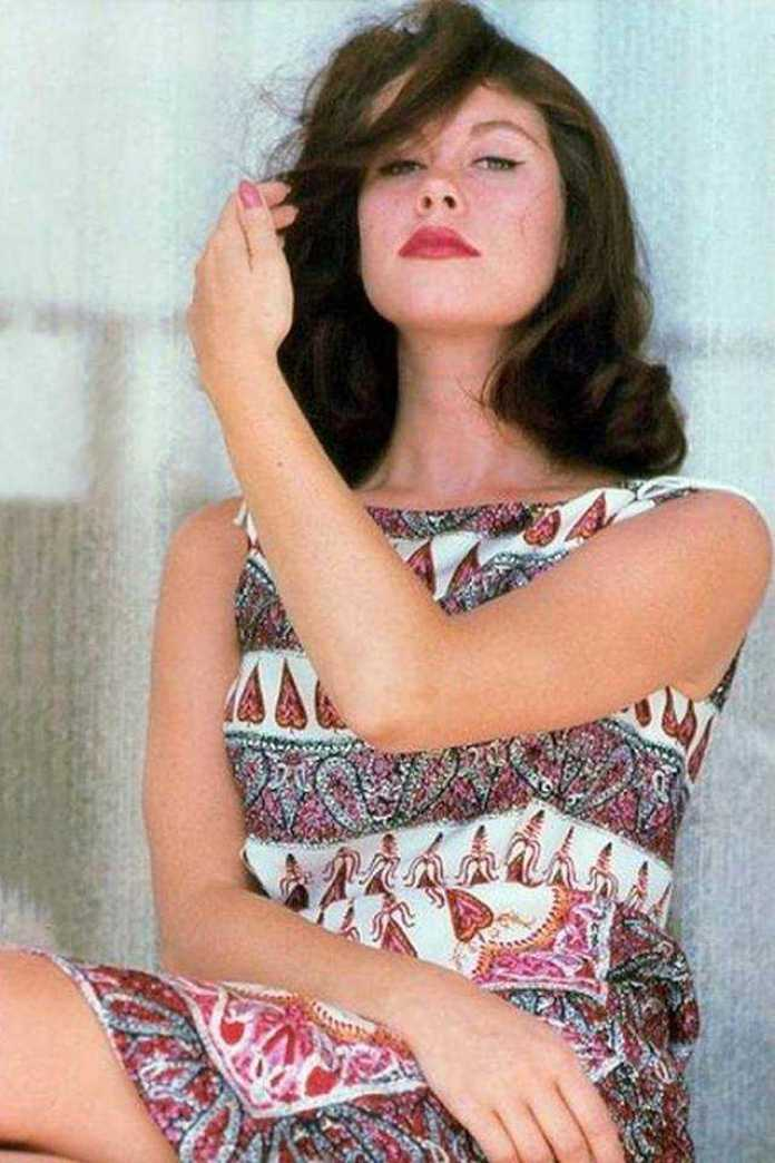 Elizabeth Montgomery hot lips