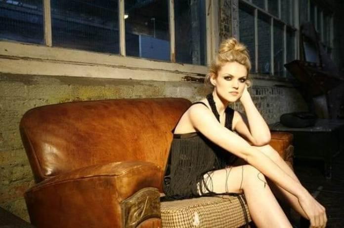 Erin Richards thigh pics