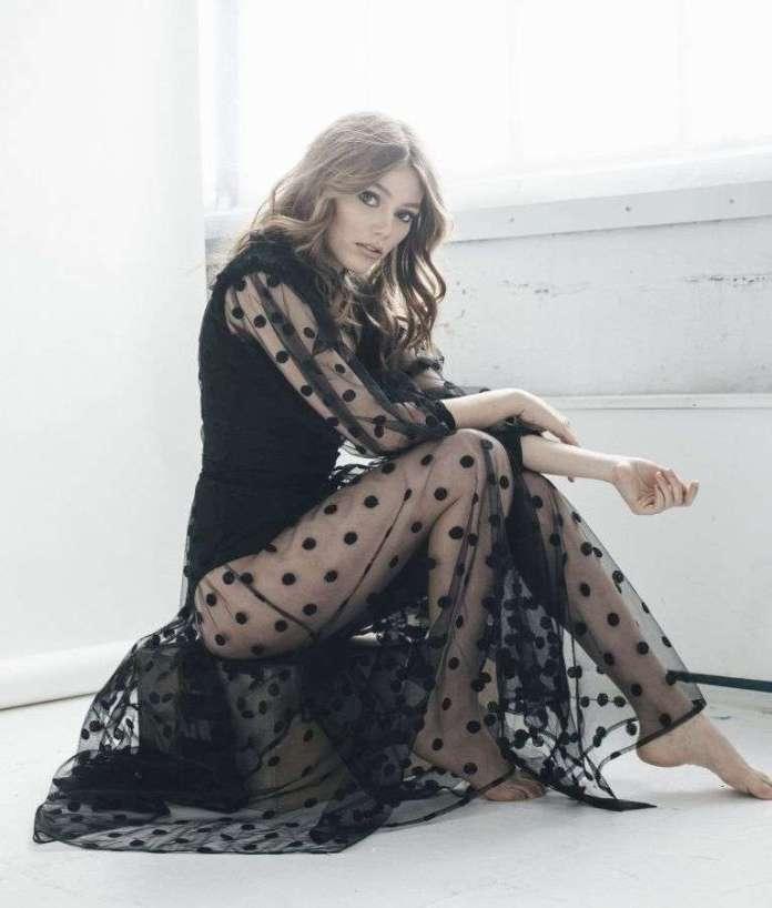 Grace Van Dien sexy pics