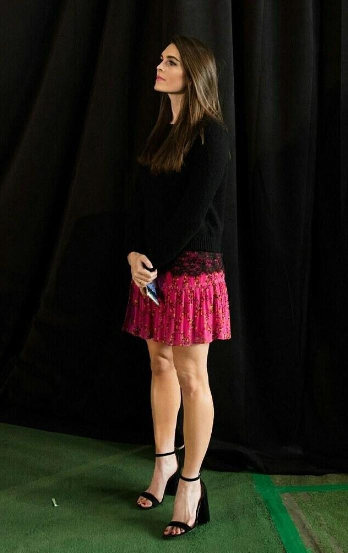 Hope Hicks sexy legs