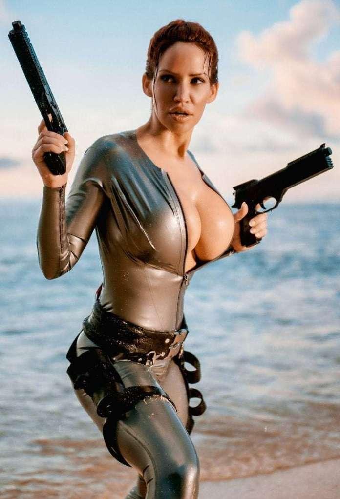 Lara Croft hot