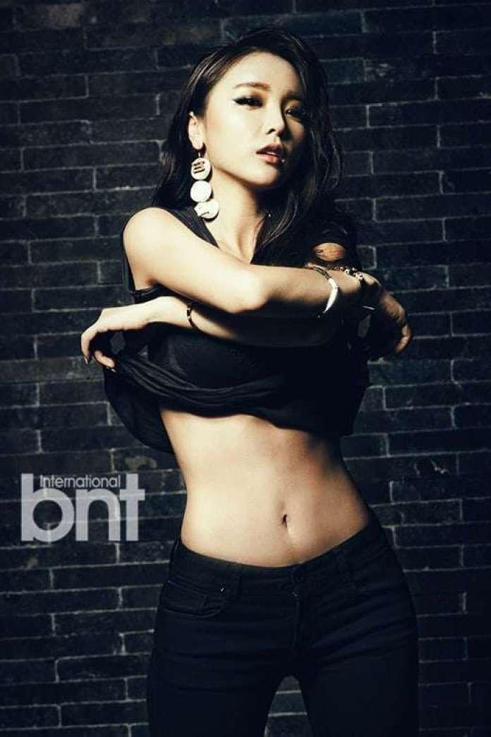hong jin-young navel