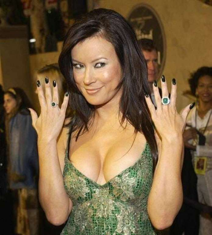jennifer tilly hot pictures