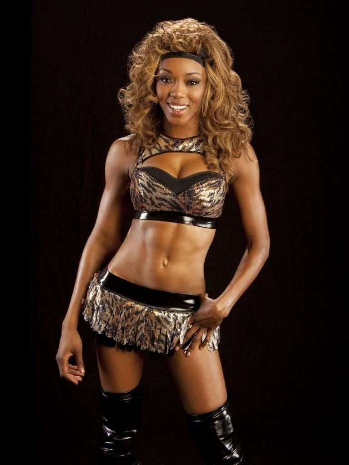 Alicia Fox sexy pic